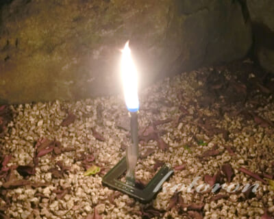 風や花火で消えないロウソクにする簡単な方法